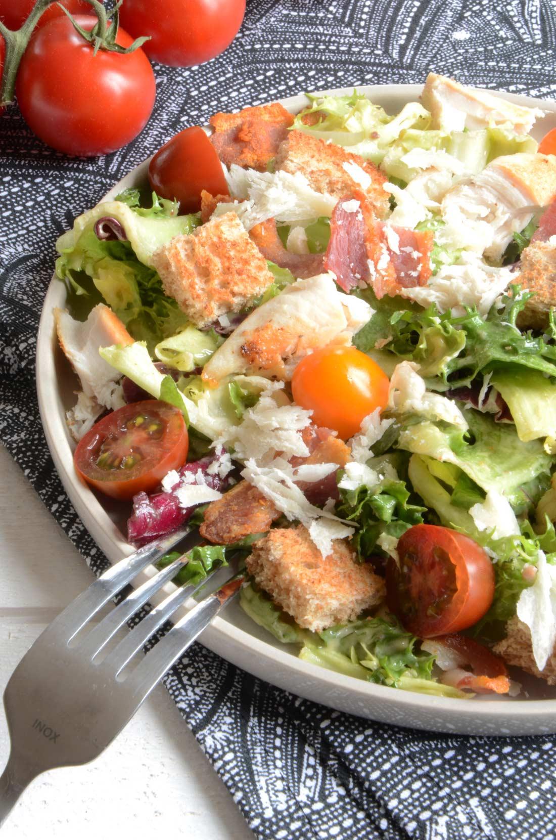 Salade Caesar extravaganza fait maison