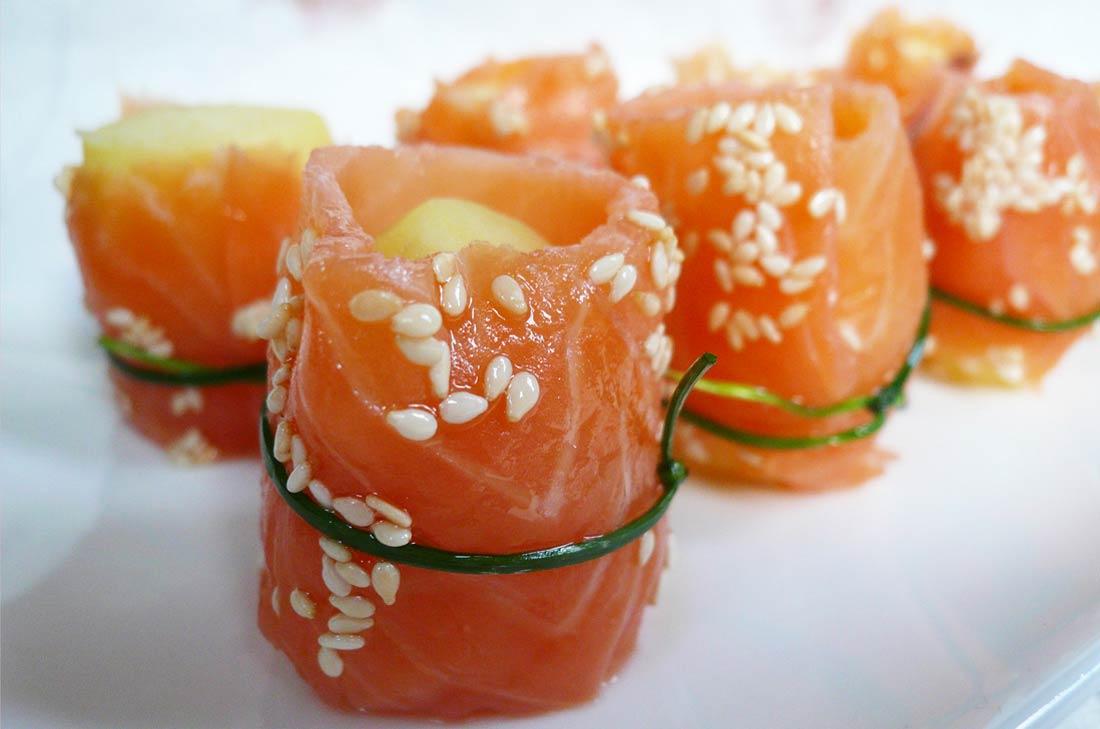 sushis de pommes de terre au saumon. Black Bedroom Furniture Sets. Home Design Ideas
