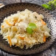 Riz pilaf au poulet et aux amandes
