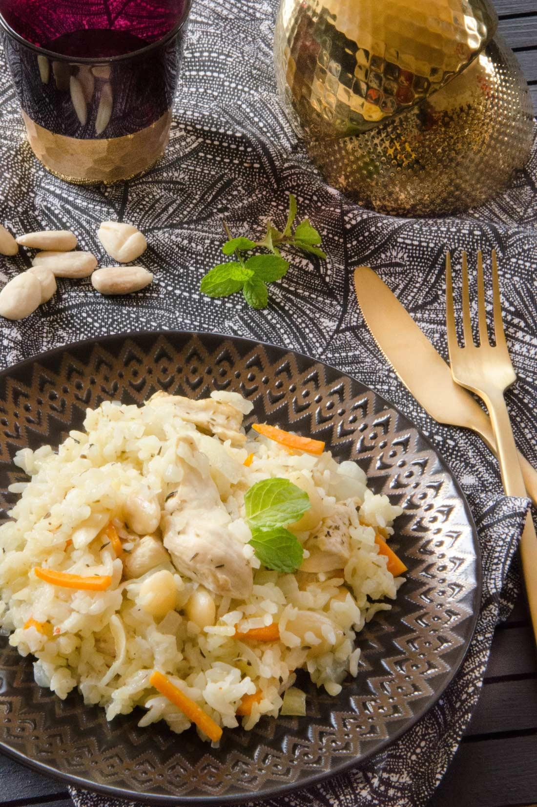 riz pilaf au poulet et aux amandes riz du sultan. Black Bedroom Furniture Sets. Home Design Ideas