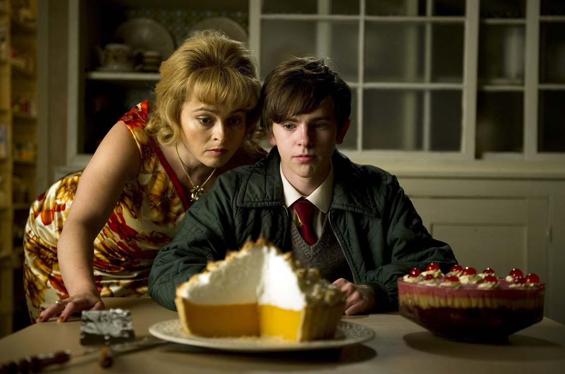 Toast, un film de SJ Clarkson avec Helena Bonhamm-Carter