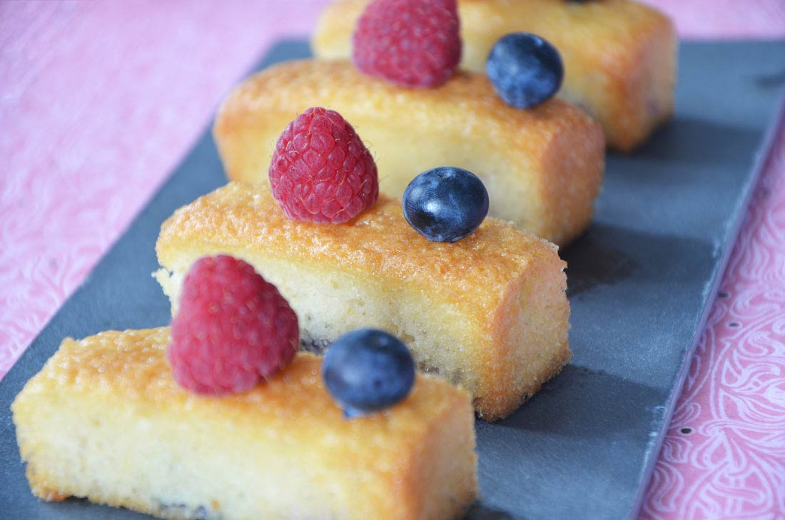 Financiers framboises myrtilles