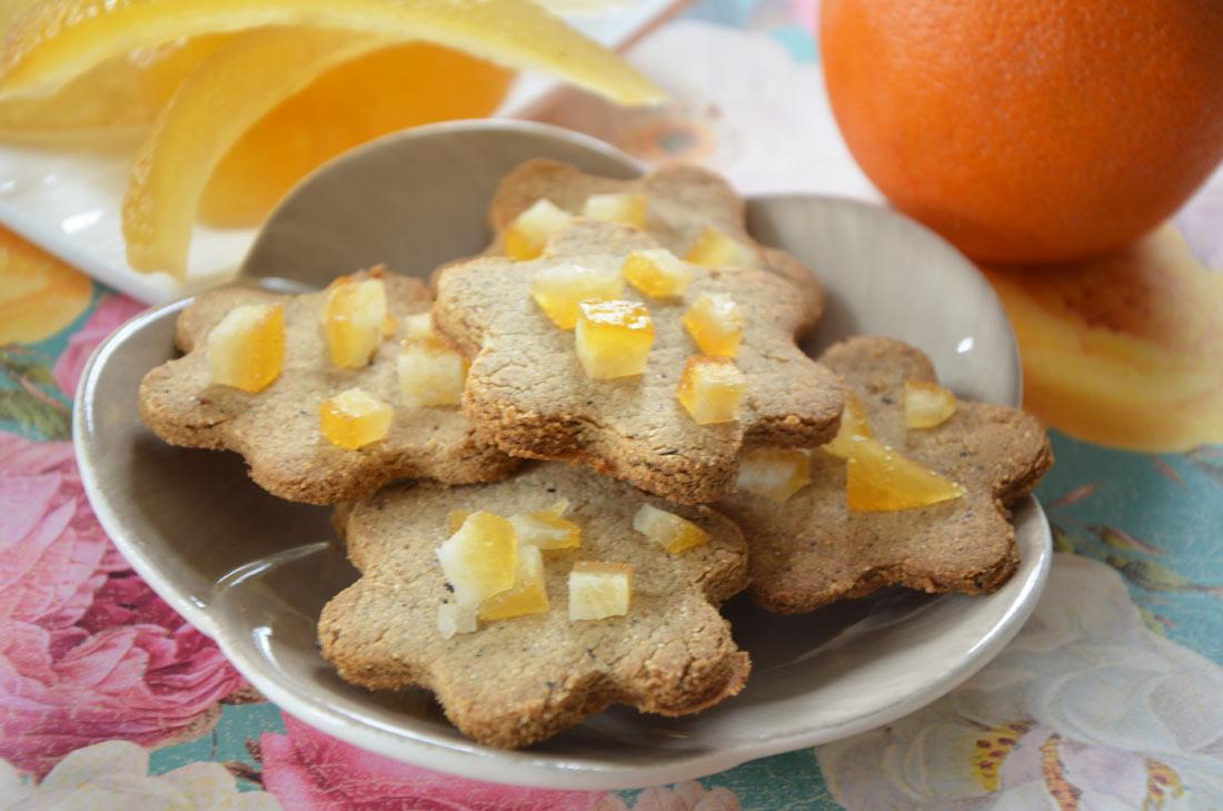 Biscuits à la farine de châtaigne et à l'orange confite