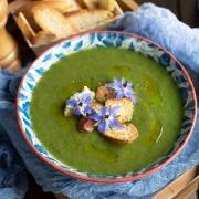 Soupe de cresson et croutons à l'ail