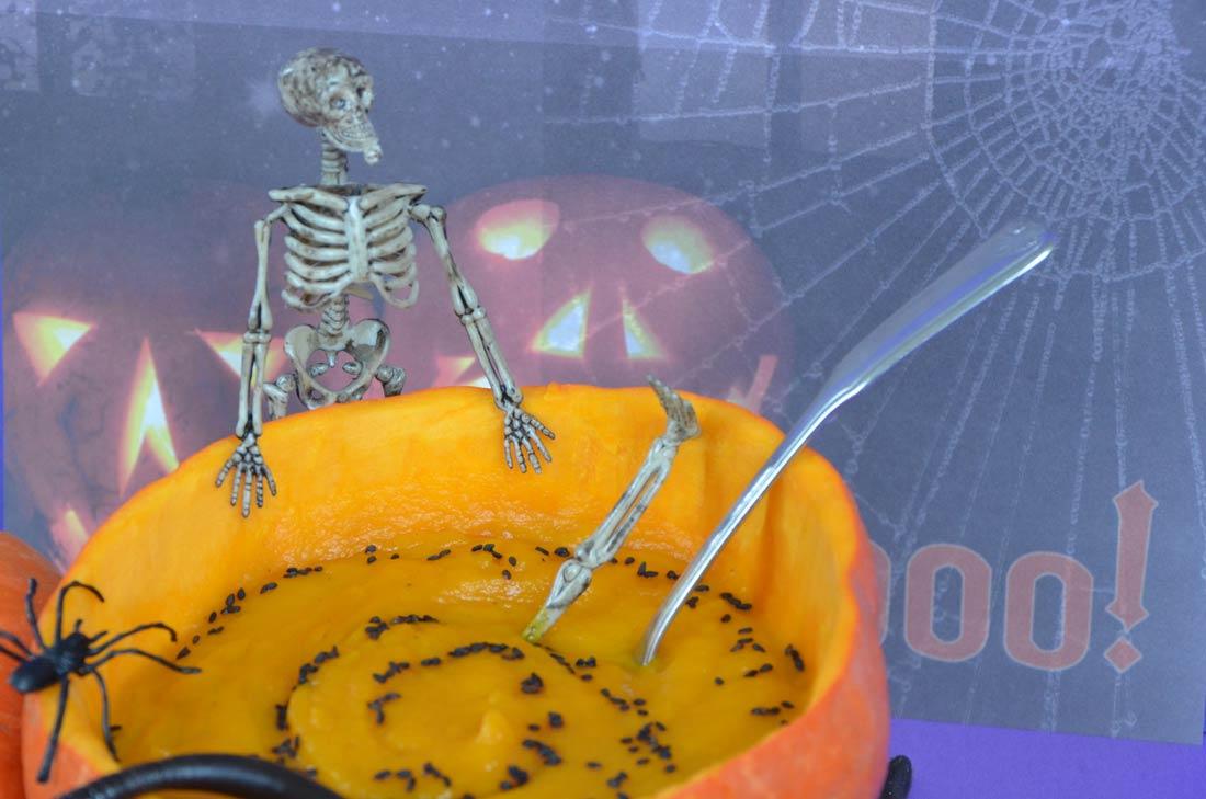 soupe potimarron à la sauce Halloween