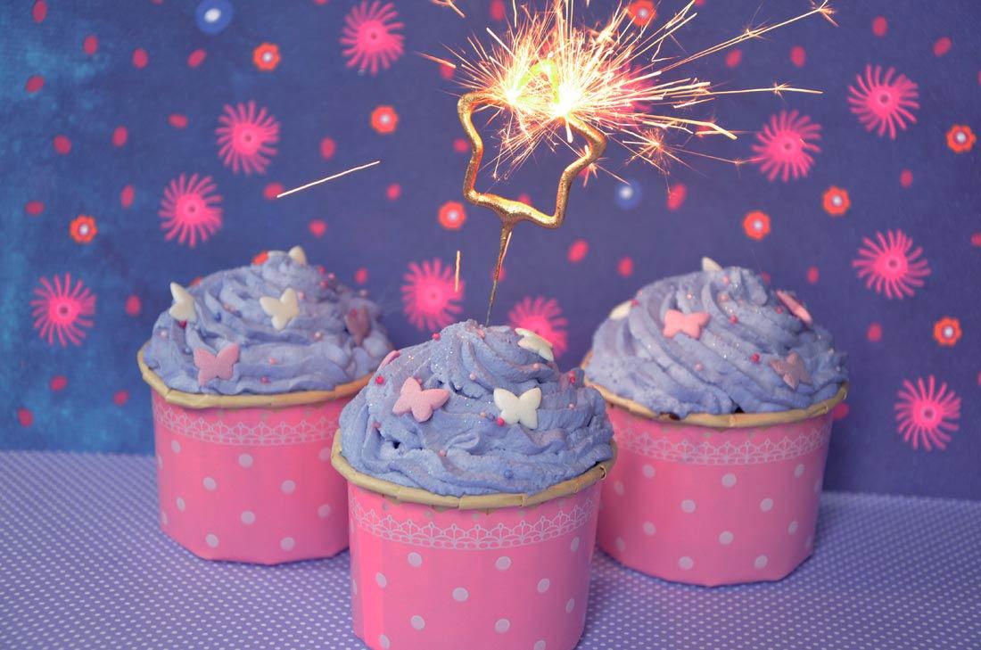 Recette de cupcakes girly à la vanille, parfaits pour un goûter d'anniversaire
