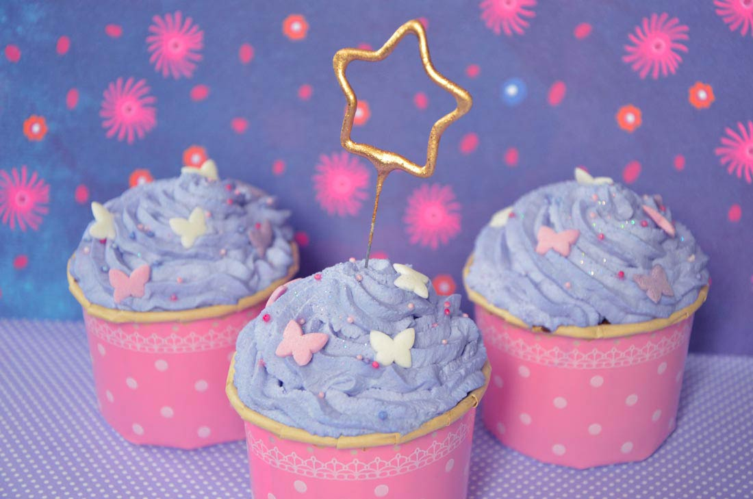 Des girly cupcakes pour fêter comme il se doit un anniversaire de petite fille