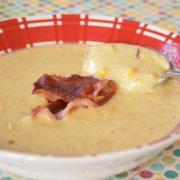 Soupe au maïs, croustillant de lard