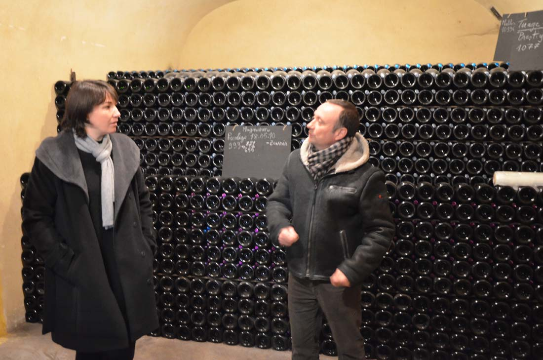 Michel Jacob et Sophie Seïté dans les caves des champagnes Serge Mathieu