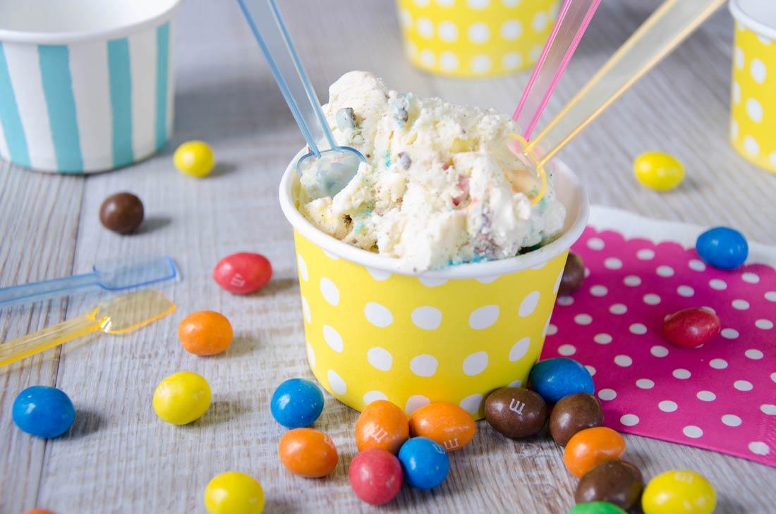Crème glacée fondante aux M&M's