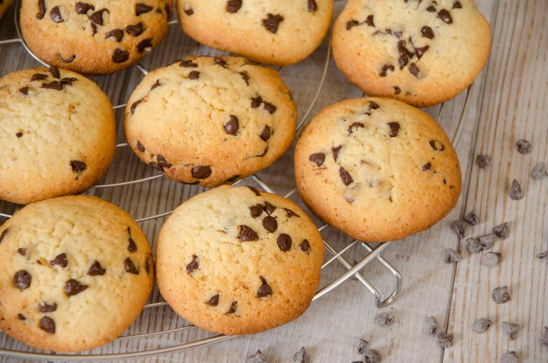 Cookies à la purée d'amande blanche et pépites de chocolat noir