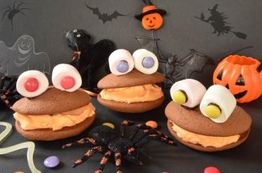 le whoopies monster, très facile à faire avec les enfants pour Halloween