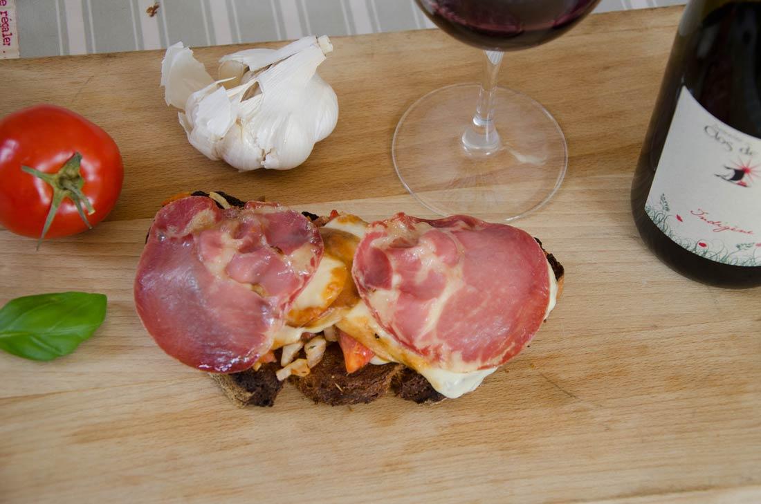 recette de Bruschettas scarmozza, un fromage italien fumé