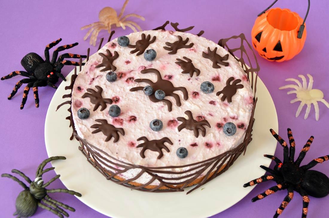 délicieux cheesecake aux myrtilles parfait pour halloween