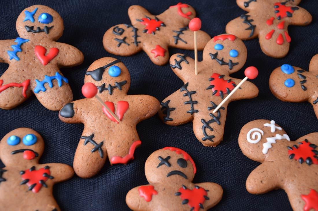 Biscuits voodoo, de délicieux cookies parfaits pour recycler vos emporte-pièces de Noël à Halloween