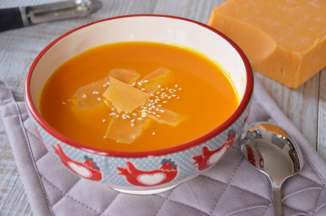 soupe de potimarron au cheddar