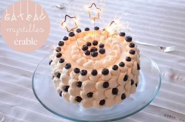 Gâteau d'anniversaire aux myrtilles crème à l'érable