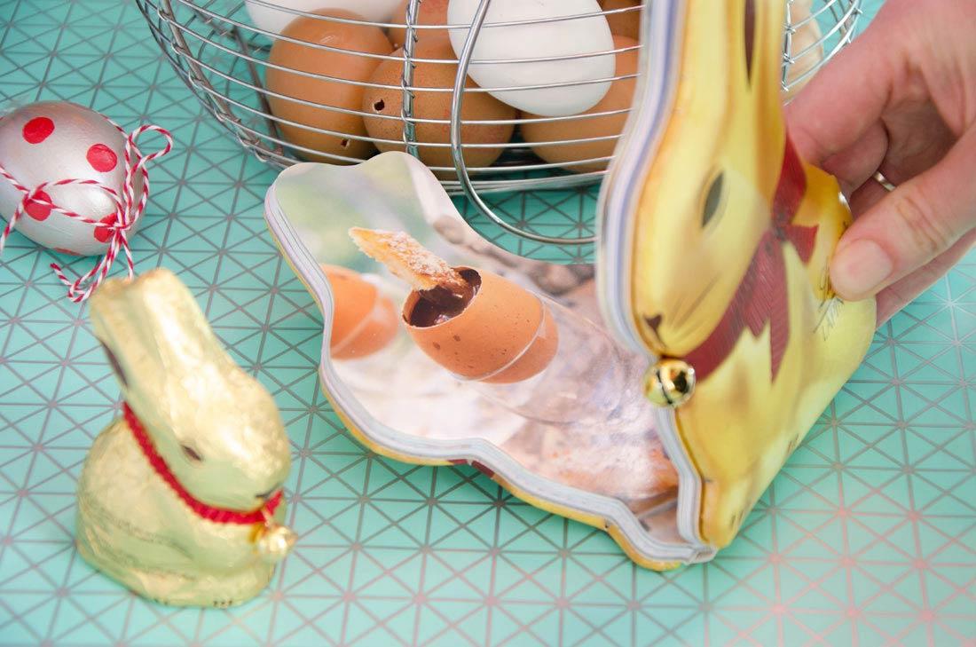 Livre lapin Lindt Or avec la recette de la Fondue de chocolat et mouillettes de pain perdu
