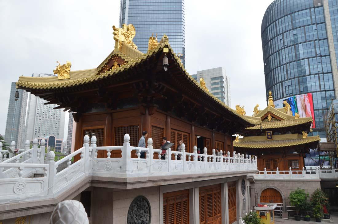 Le temple bouddhiste Jing'an à Shanghai