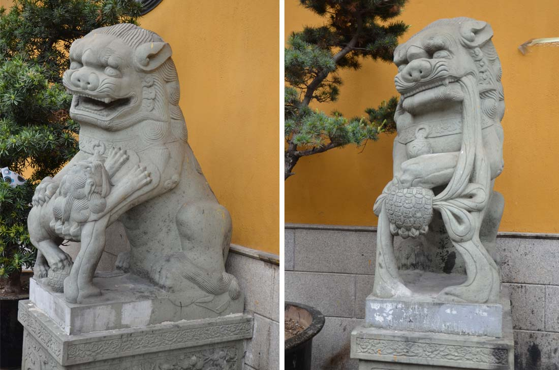 lions devant le Yellow Temple