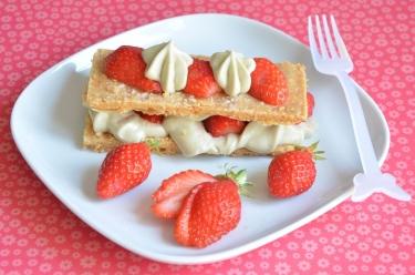 Millefeuille au thé matcha et fraises