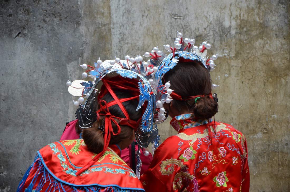 coiffures de mariage traditionnelles à Wuzhen