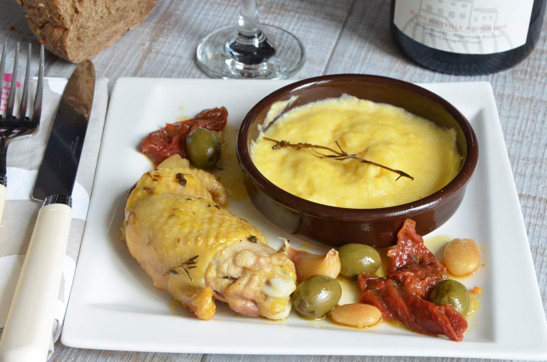 délicieuse fricassée de poulet aux olives et aux amandes