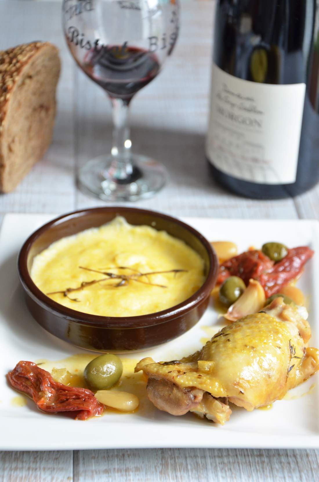 fricassée de poulet aux olives et aux amandes