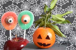 Brochettes de bonbons Halloween et diplôme de sorcier à télécharger