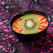 yeux de la sorcière en panna cotta vanille pour halloween