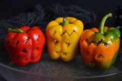 poivrons farcis d'Halloween avant cuisson
