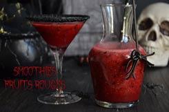 smoothies fruits rouges et verre givré noir
