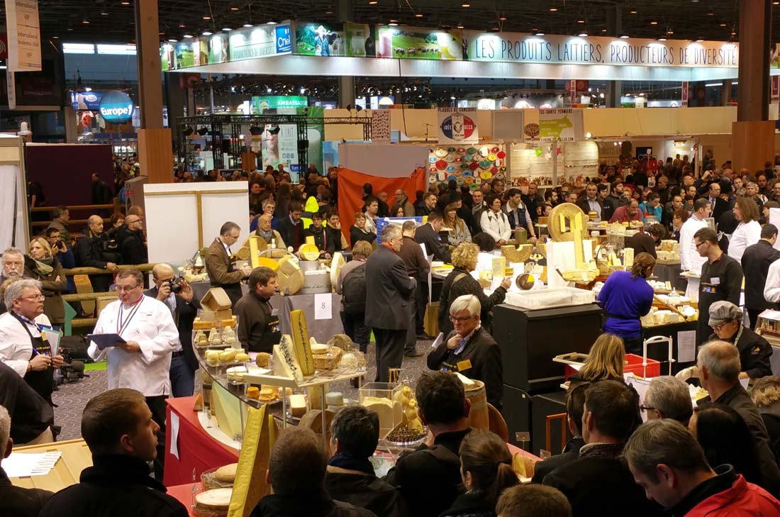 ring bovins au SIA présentant le concours MOF Fromager 2015