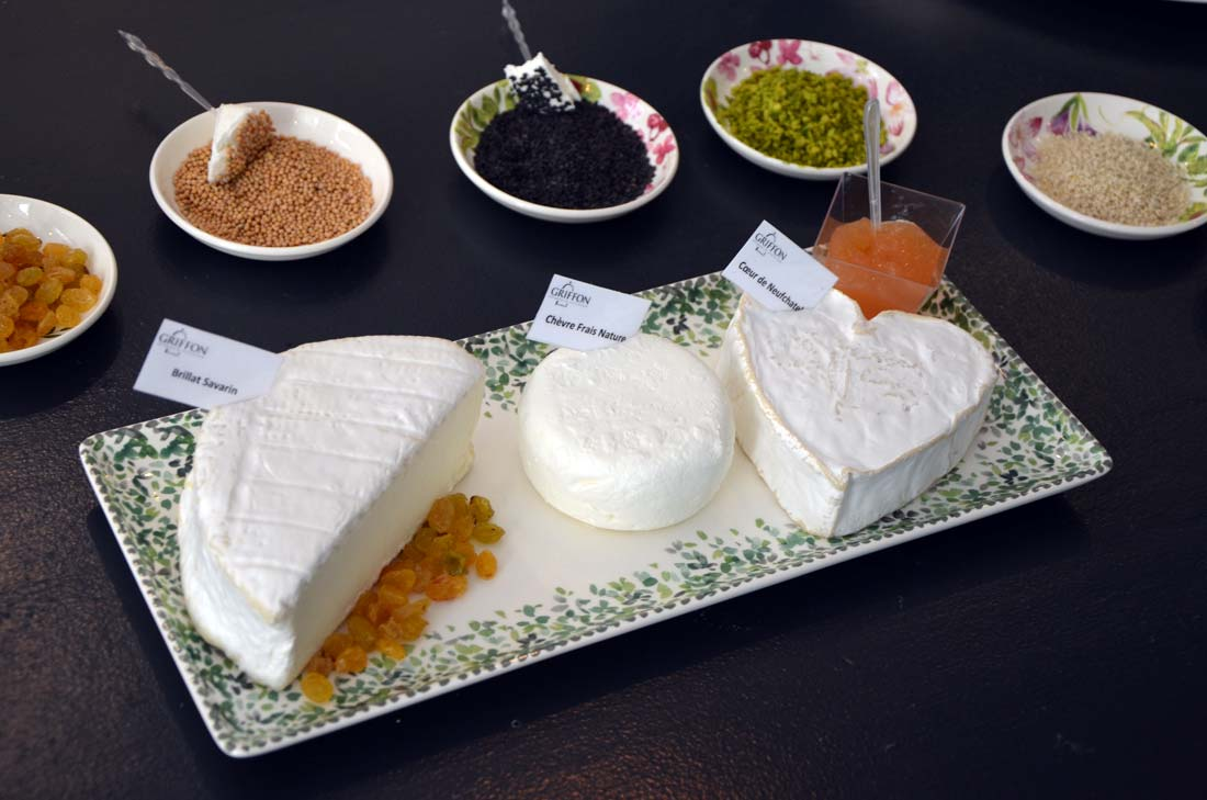 L art de composer un plateau de fromages turbigo - Comment faire un plateau absorbant ...