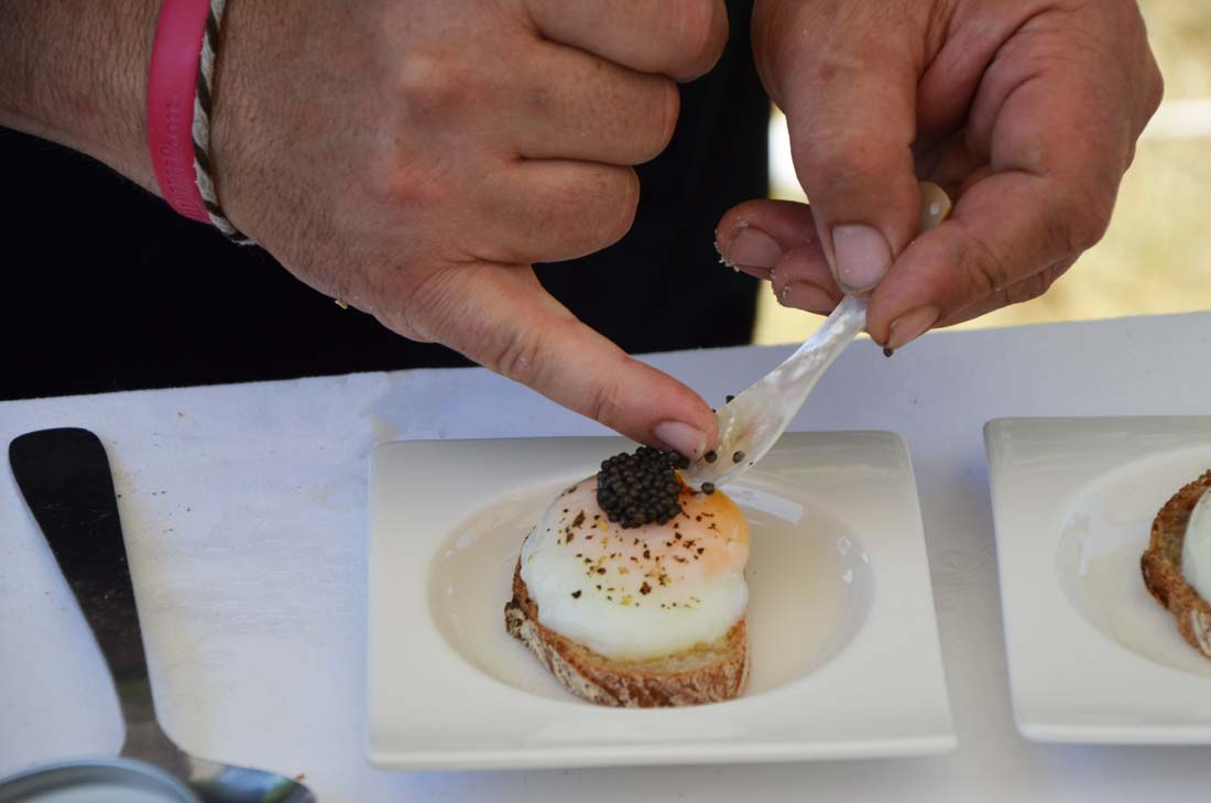 canapé oeuf et caviar