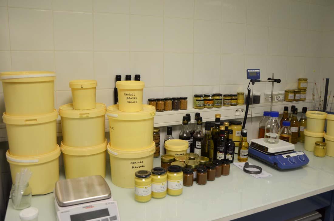laboratoire de mise au point des moutardes de Clovis