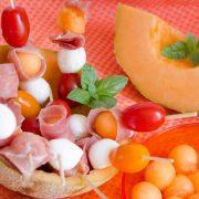 Brochettes melon mozza jambon cru