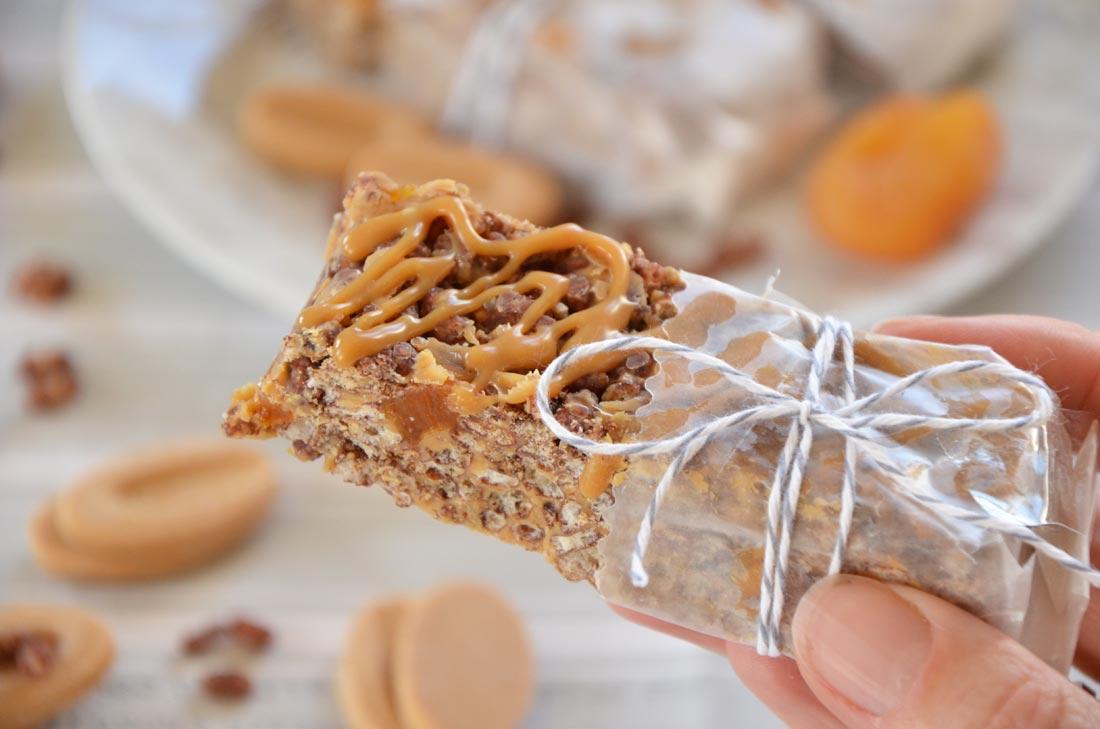 Barres riz soufflé sans gluten chocolat dulcey et abricots moelleux secs
