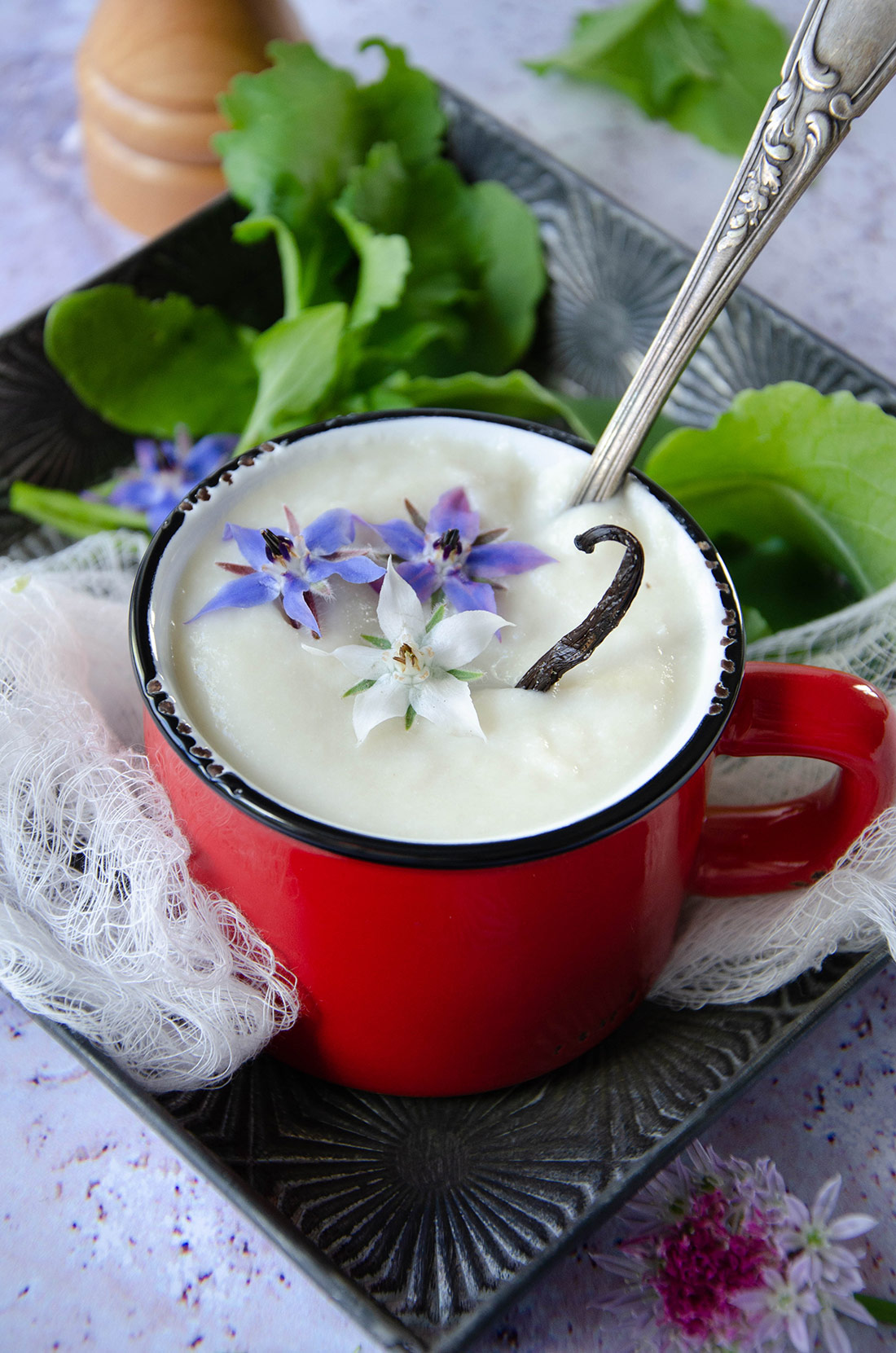 Velouté de chou-fleur aux oignons de Roscoff
