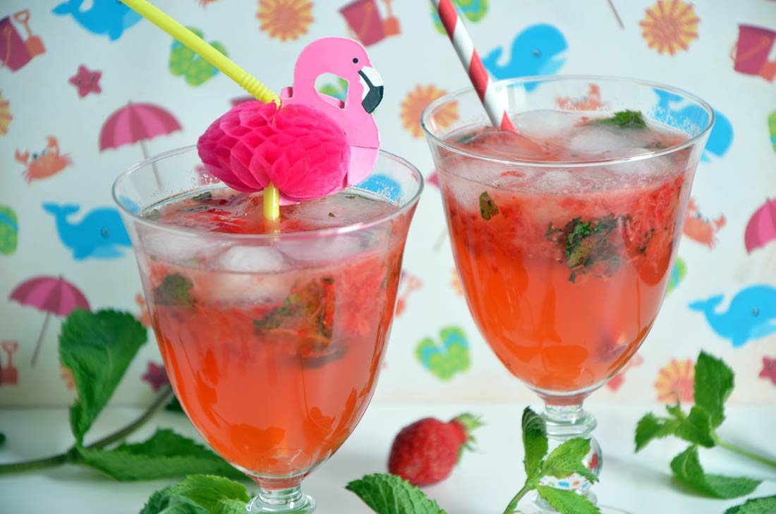 Cocktail Cointreau Fizz fraises menthe
