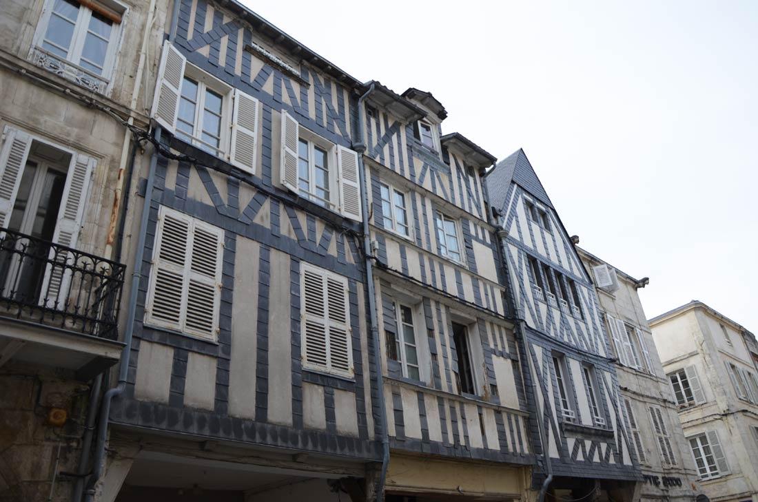 façades typiques de la Rochelle