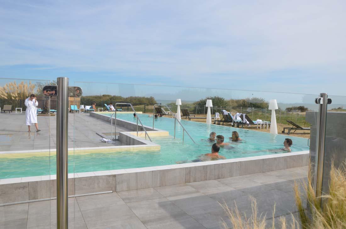 piscine extérieure de l'hôtel Atalante