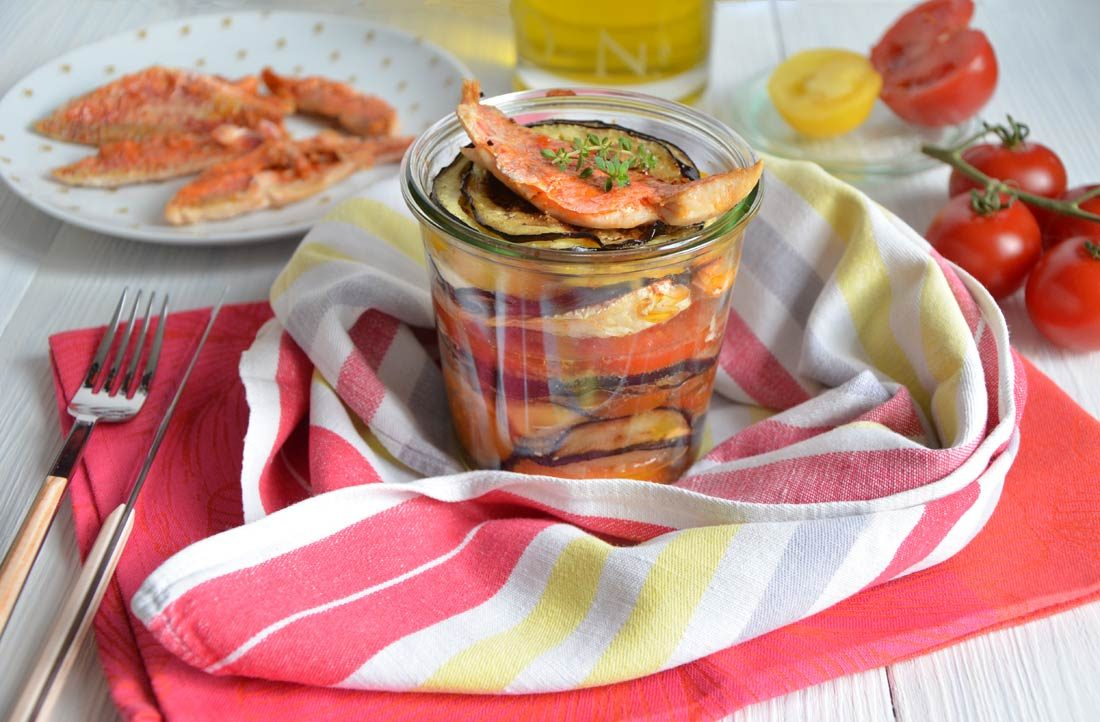 Millefeuilles tomates aubergines et rouget