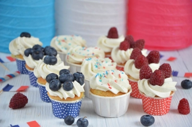 Mini cupcakes aux fruits rouges bleu blanc rouge