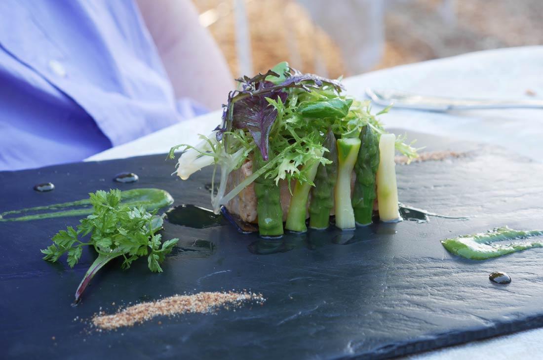 foie gras de canard grillé rafraichi d'asperges