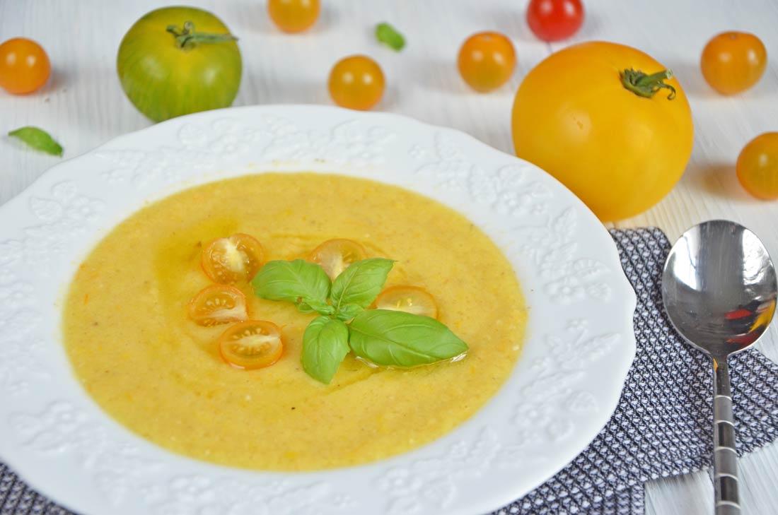 Soupe glacée tomates et poivrons jaunes