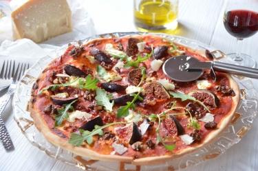 Pizza chèvre figues et noix