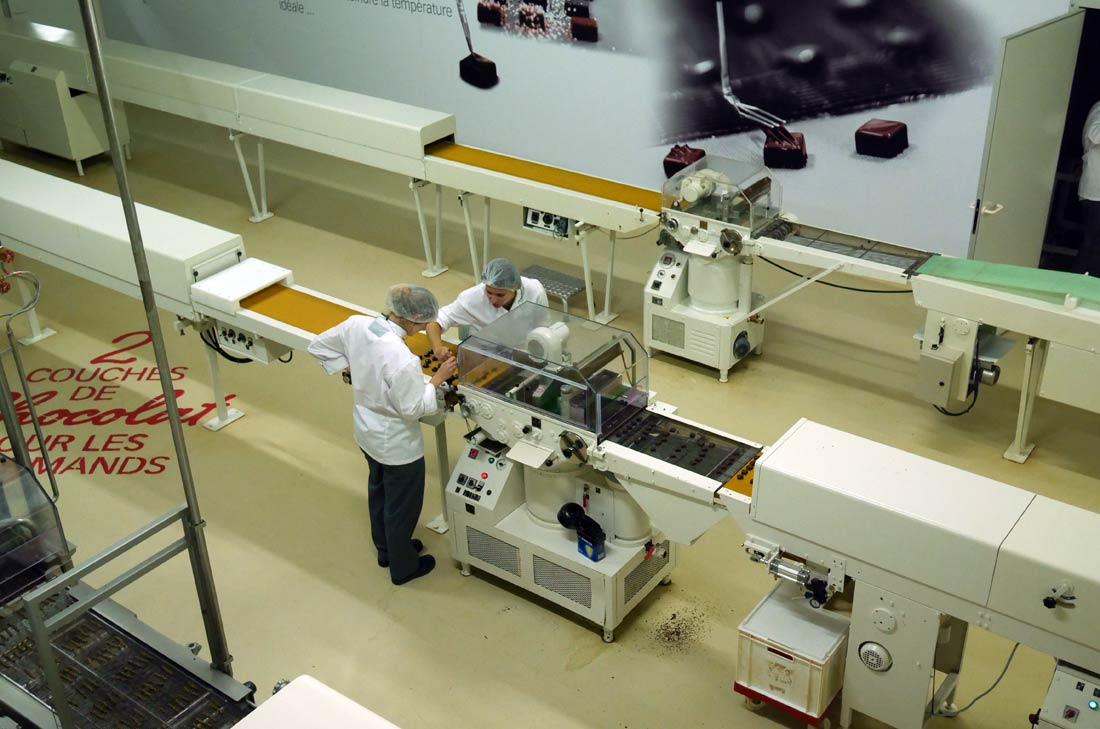 atelier de fabrication des chocolat Weiss