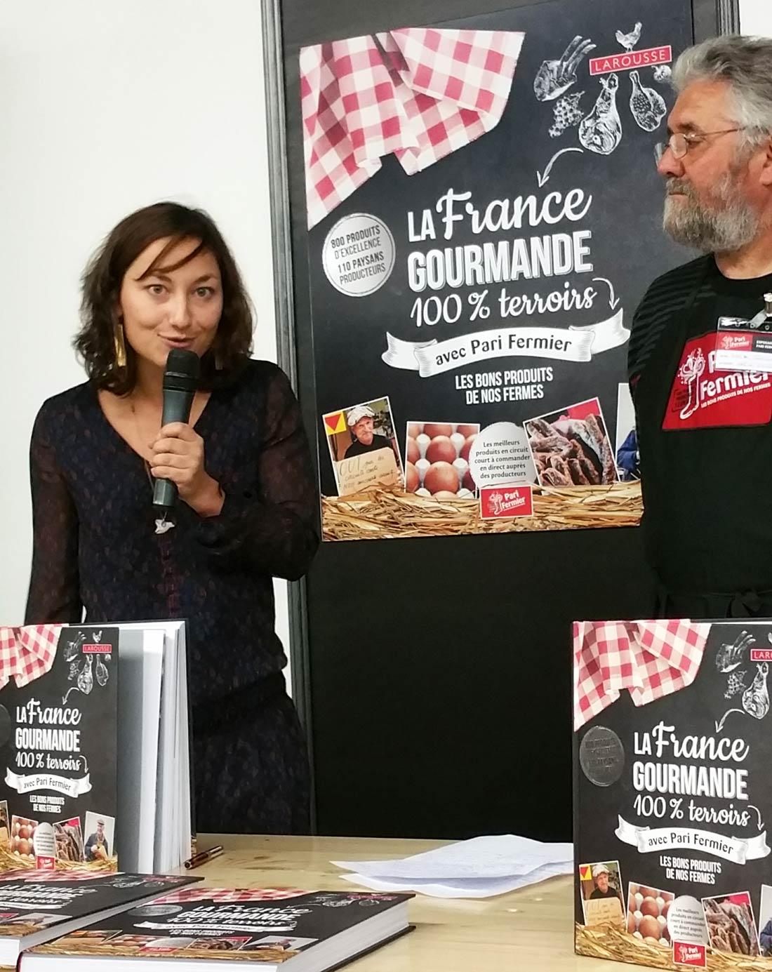 L'auteure Justine Gourbiere à la conférence de presse pour le lancement du livre Pari Fermier : La France Gourmande