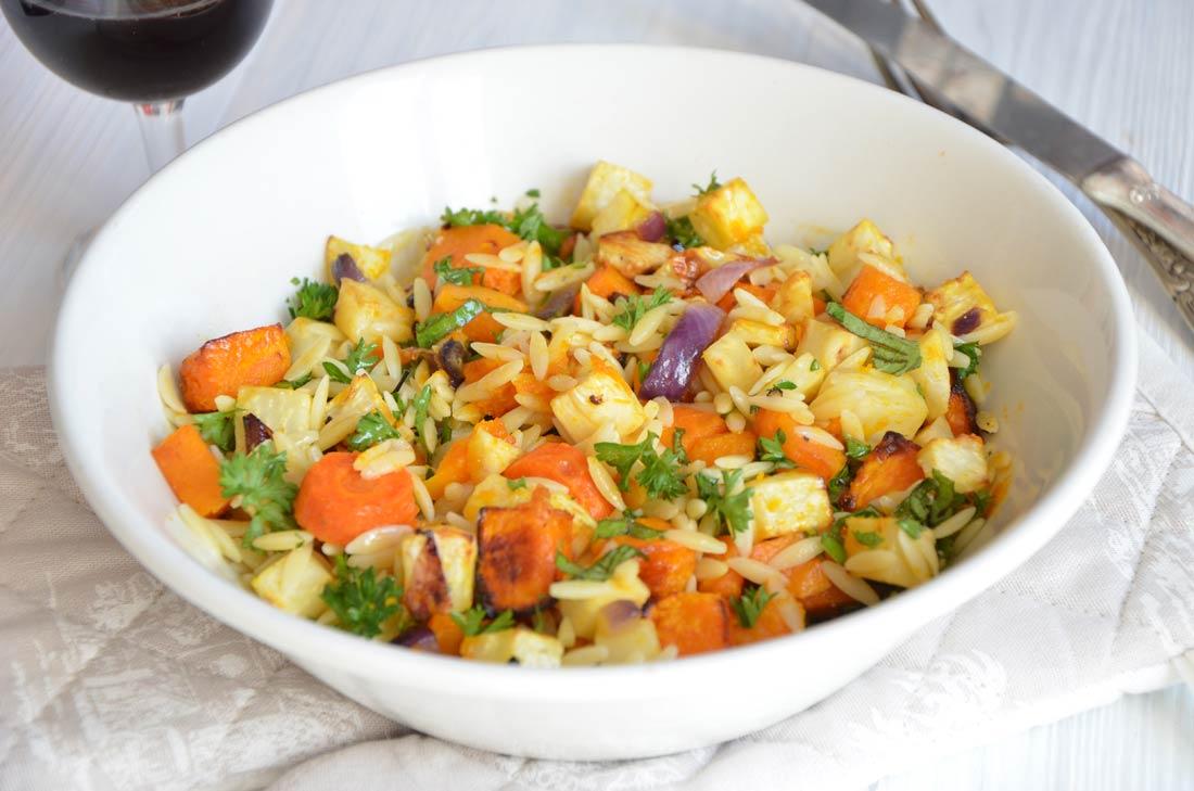 Salade d'automne légumes rôtis herbes fraiches